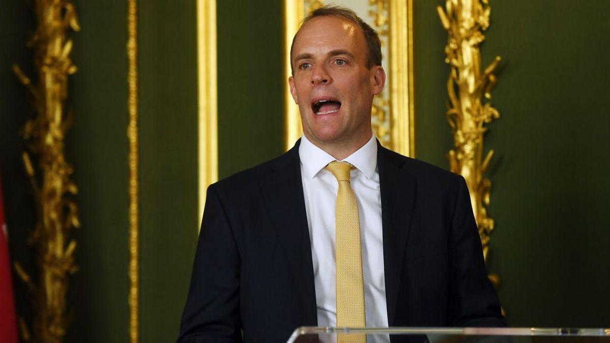 El Gobierno británico rechaza disculparse por la repentina cuarentena pese a las quejas