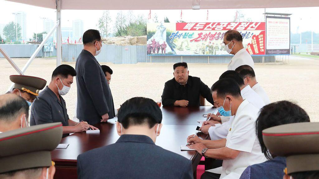 Corea del Norte detecta su primer caso sospechoso de coronavirus y bloquea la ciudad de Kaesong