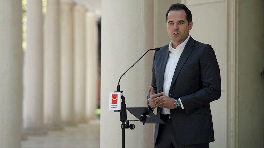 """Aguado califica de """"chiste"""" las medidas de España con el turismo en Barajas frente a las de Reino Unido"""