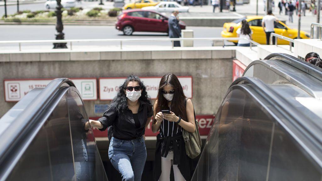 Turquía confirma más recuperados que nuevos contagios pero rebasa ya los 225.000 casos