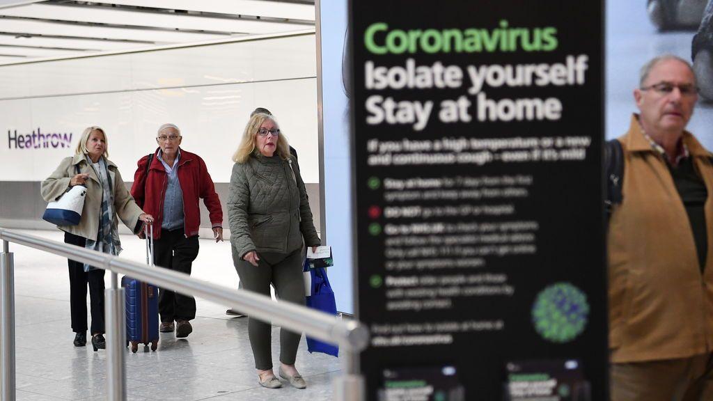 Reino Unido extiende a Canarias y Baleares la recomendación de evitar todo viaje no esencial a España