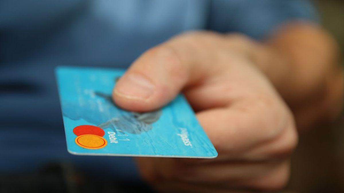 El Gobierno endurece las condiciones de las tarjetas 'revoling'