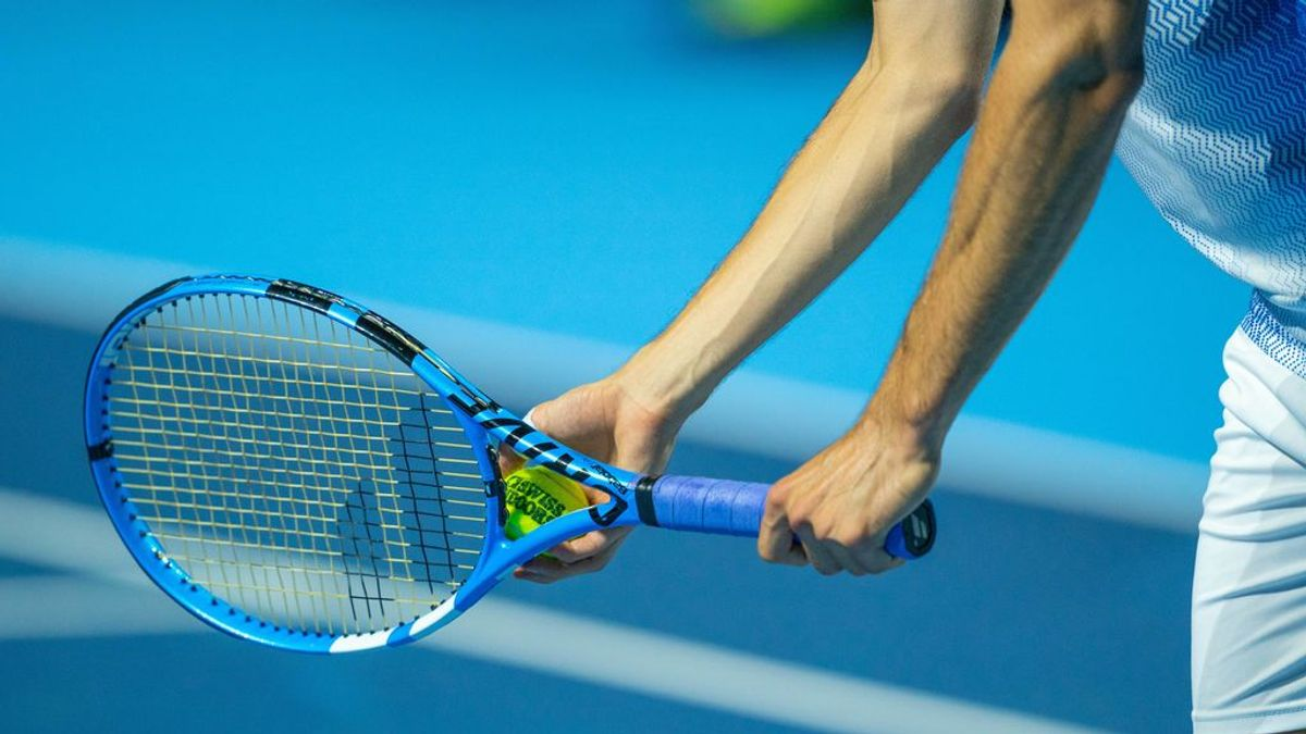 Aprende a elegir el mejor cordaje para tu raqueta de tenis