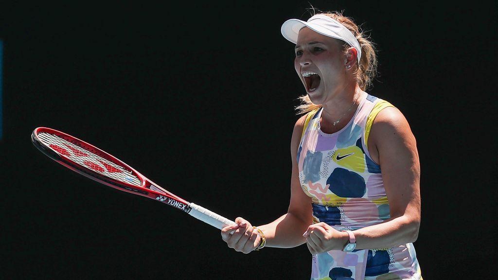 María Sharápova gritando al ganar un punto durante un partido de tenis