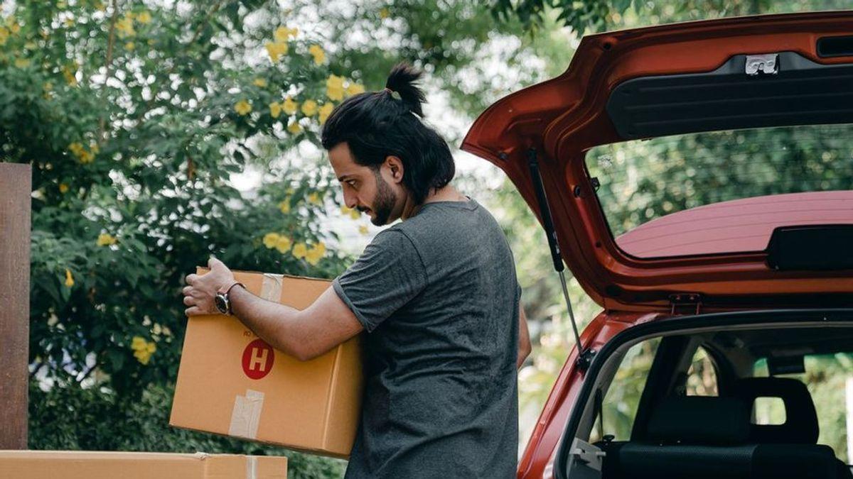 El maletero de tu coche a punto: cómo cambiar el amortiguador de la puerta y mantenerlo limpio