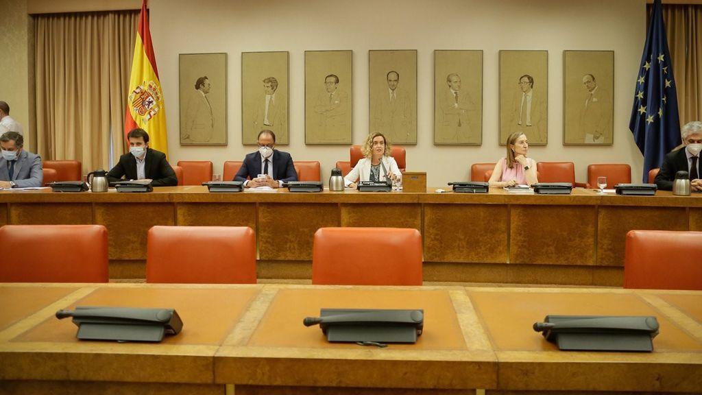 """El PP exige que el Gobierno """"no se vaya de vacaciones ante la segunda ola"""""""