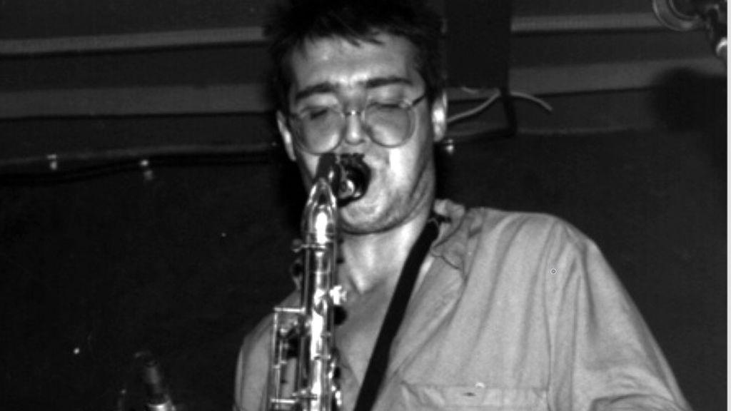 Muere 'Selu' Nieto, el saxofonista de rock de Extremoduro, Reincidentes o Platero y tú