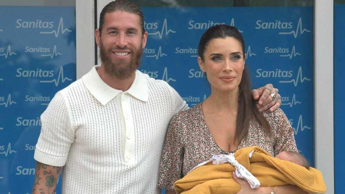 Sergio Ramos y Pilar Rubio posan con su cuarto hijo recién nacido, Máximo Adriano