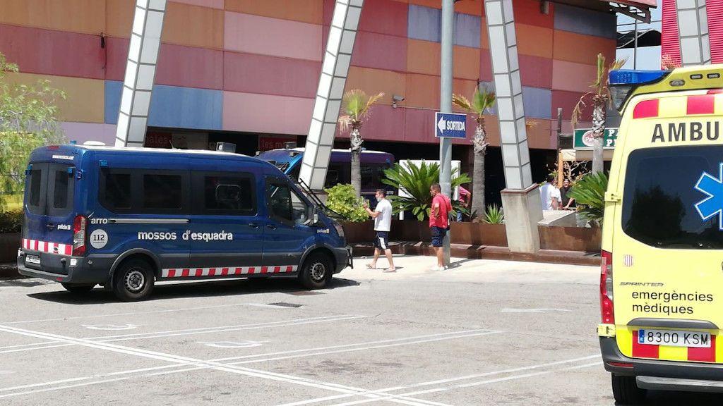 Detenido el hombre que quemó a su mujer y se atrincheró en una azotea en Tarragona
