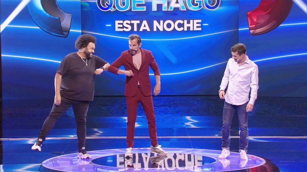 Aída y Julio César con Carlos Jean y Javier Fernández Adivina qué hago esta noche Temporada 2 Programa 15