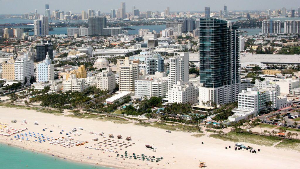 Detenido en un hotel de Miami por disparar para exigir distancia social