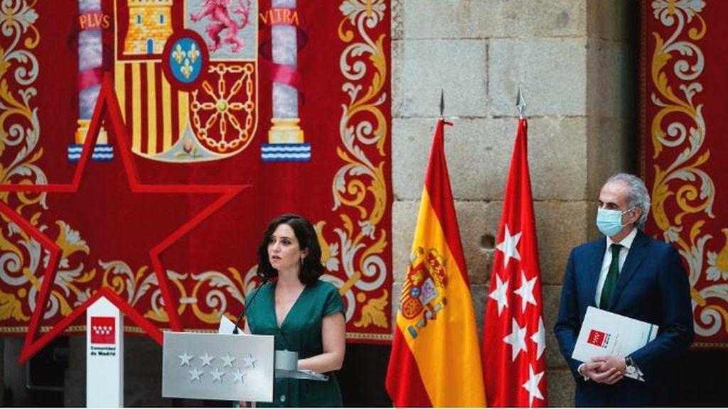 Madrid recula y dice ahora que se tomará el mes de agosto para estudiar bien la 'cartilla Covid'