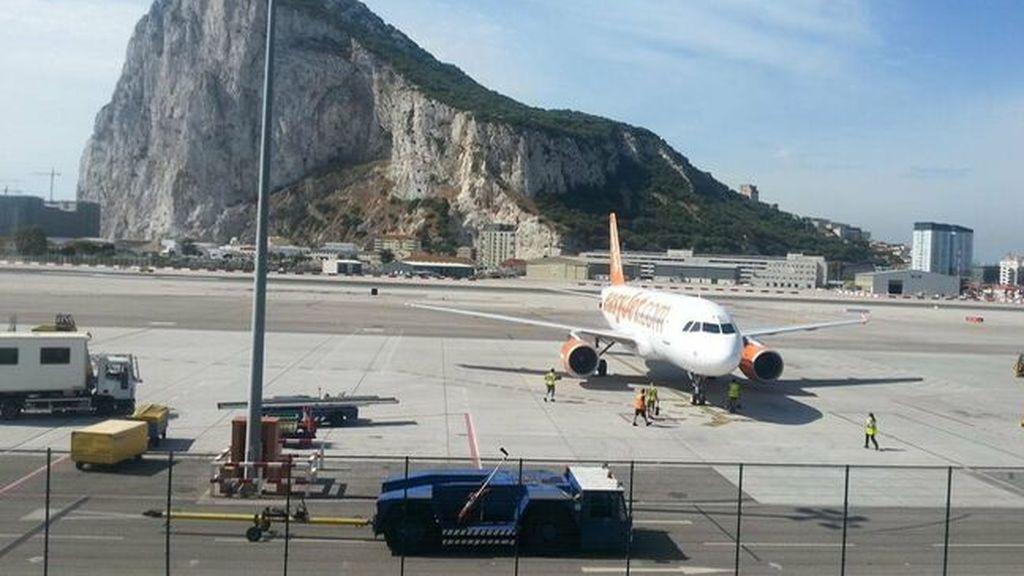 Los turistas británicos pueden 'esquivar' la cuarentena si vuelan al Reino Unido desde Gibraltar