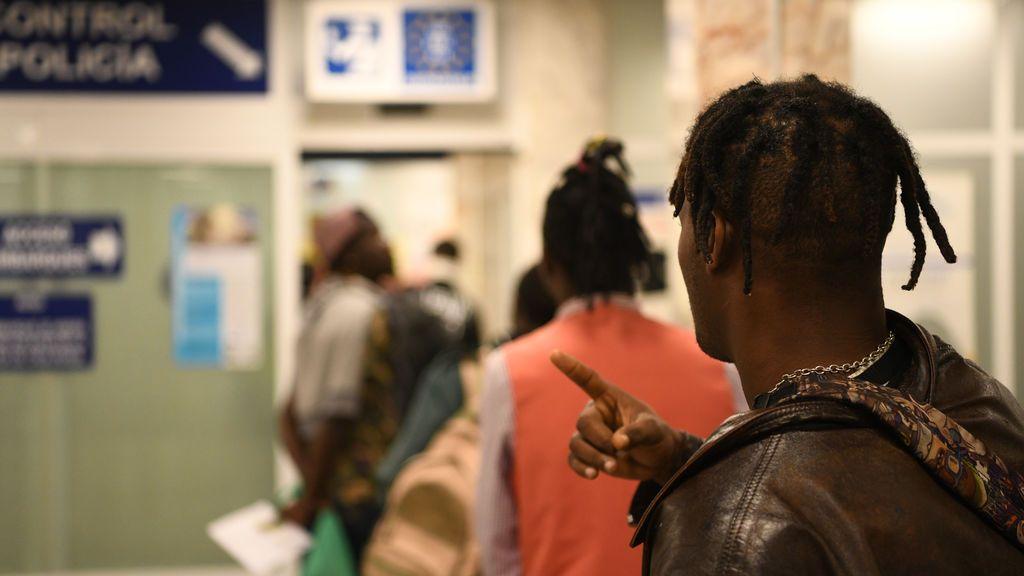 El Supremo dice que  los solicitantes de asilo desde Ceuta y Melilla pueden circular por toda España