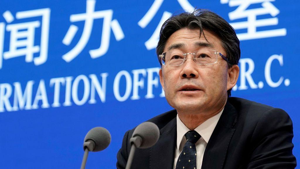 Un jefe médico chino se inyecta una potencial vacuna experimental contra el coronavirus