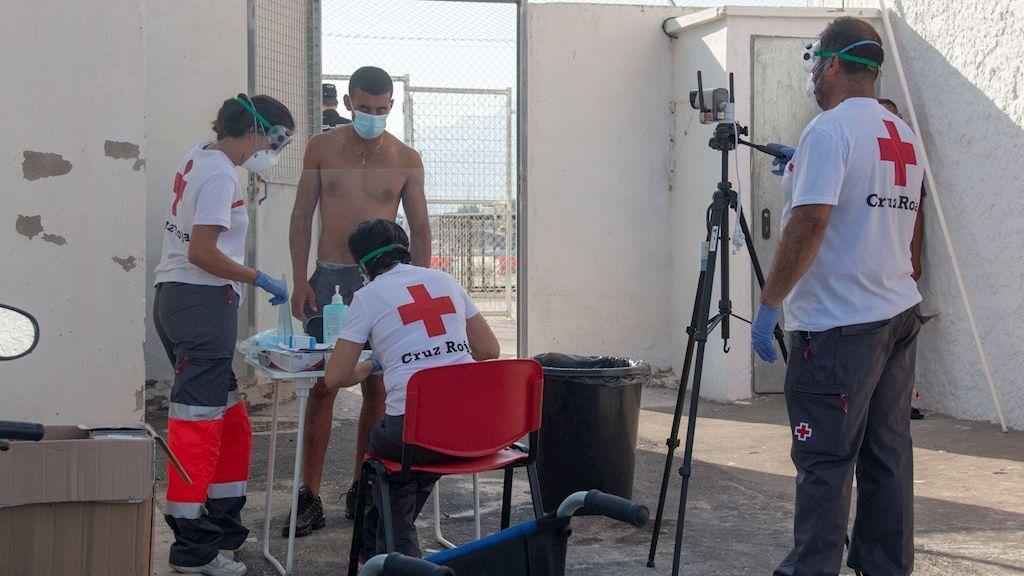 Un migrante positivo por coronavirus se fuga junto a otros seis compañeros del albergue de Víznar