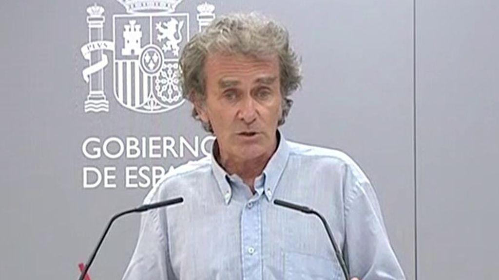 """El """"rapapolvo"""" de Fernando Simón al periodista que le pregunta por sus vacaciones en Portugal"""