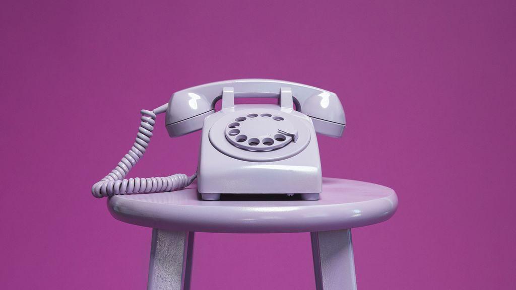 """En tu gesto al fingir una llamada está la clave: un TikToker demuestra """"que te estás haciendo viejo"""""""