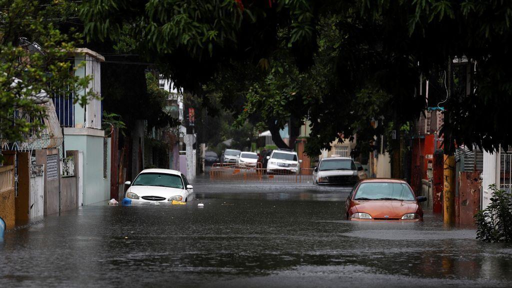 Vientos, lluvia y marejada ciclónica: el huracán Isaías embiste las islas del Caribe y llegará a Florida