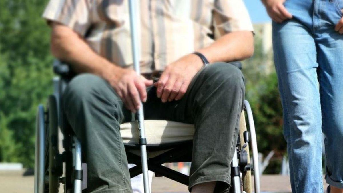 Investigan la muerte de un anciano, ahogado con un arnés, atado a una silla de ruedas, en una residencia de Madrid