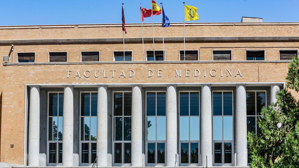 Medicina vuelve a ser la carrera más demandada y el doble grado de Matemáticas-Física en la UCM tiene la nota más alta de Madrid