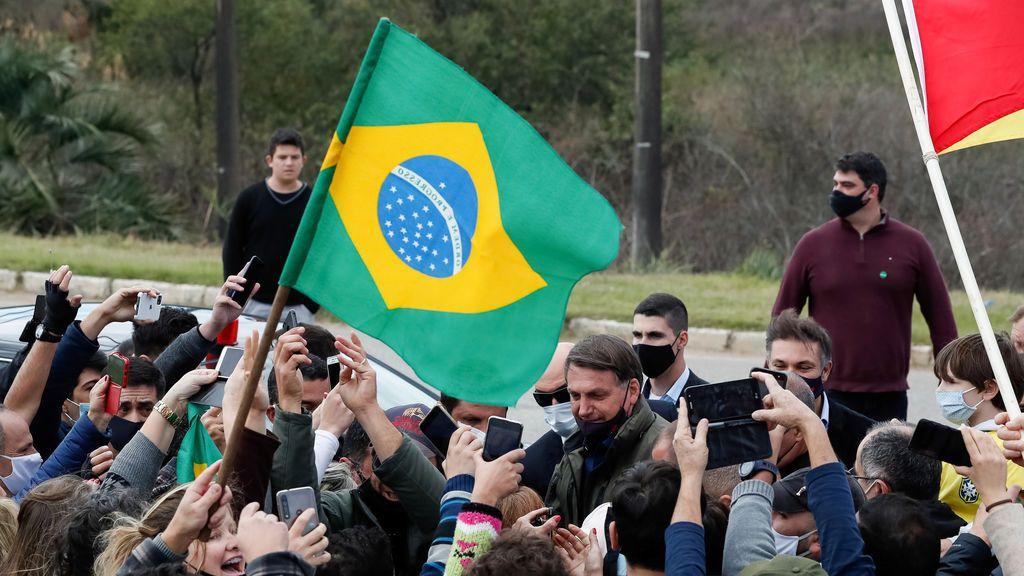 Bolsonaro vuelve a minimizar los efectos del coronavirus y afirma que la mayoría de personas se contagiará