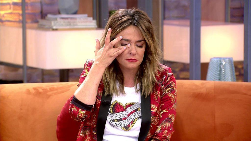Toñi Moreno llora con la carta de Aless Lequio
