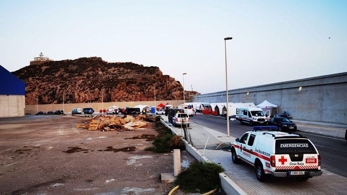 La Guardia Civil busca a 44 argelinos fugados esta madrugada de un pabellón de Cartagena donde guardaban cuarentena