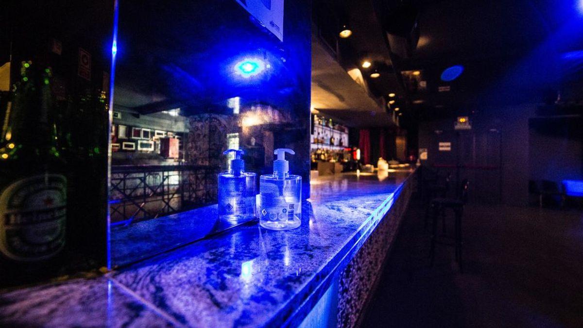 Dos discotecas de Mojácar, en Almería, origen del brote con 20 positivos