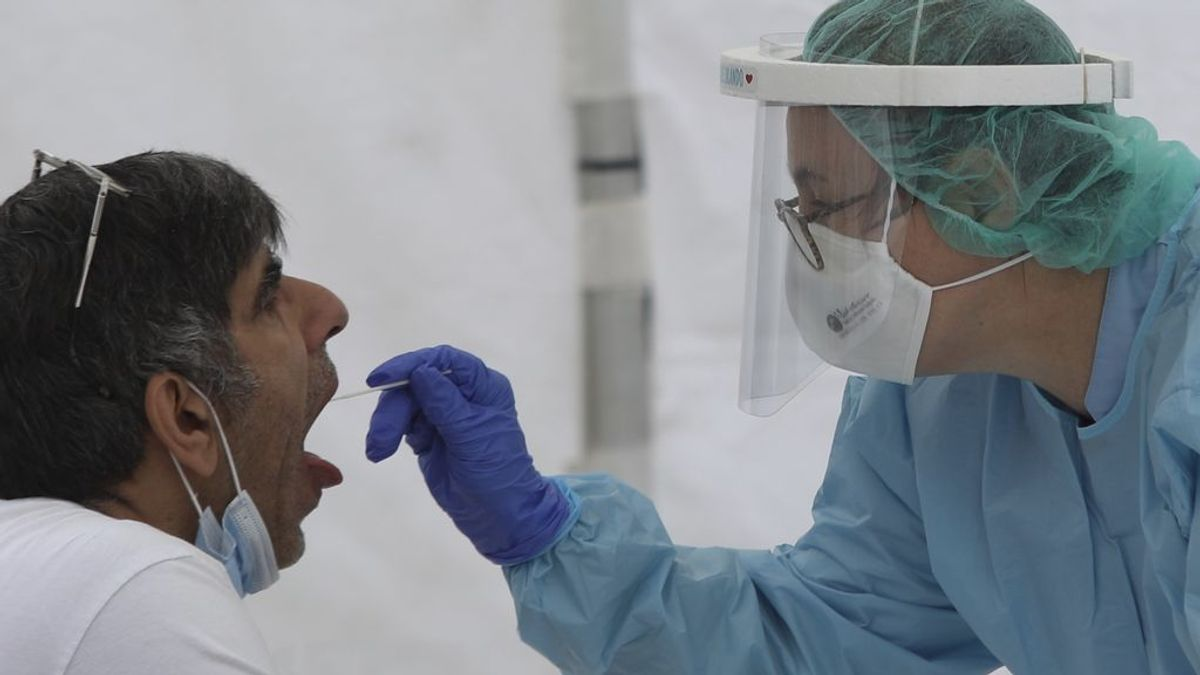 La Policía busca a una pareja belga que no se presentó a una PCR en A Coruña
