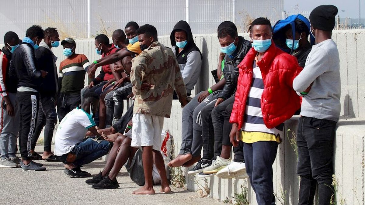 Siete de los migrantes rescatados en el Estrecho dan positivo en coronavirus