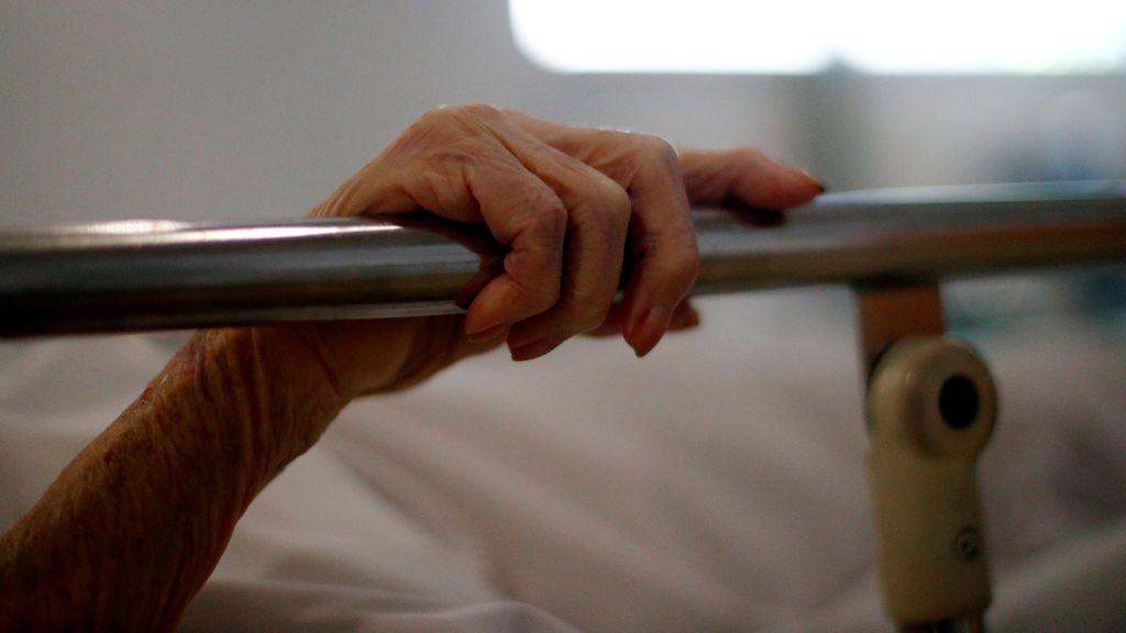 Regresa a casa sin uno de sus pulmones la mujer que más tiempo ha estado ingresada por COVID-19 en el Reino Unido