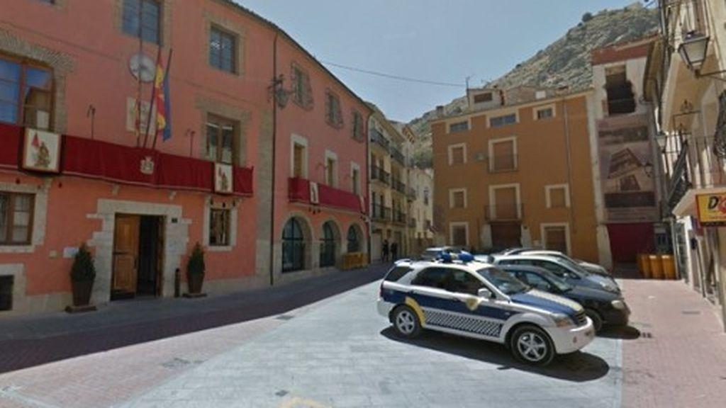 Ponen en cuarentena a toda la plantilla de la comisaría de Cocentaina en Alicante tras el positivo de un agente