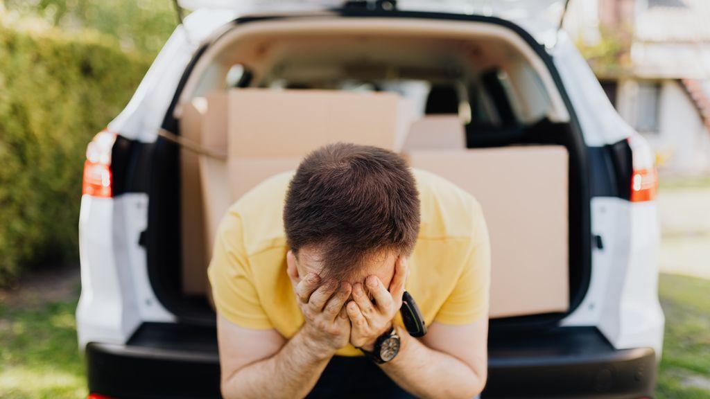 Comer ligero, mirar al horizonte y más consejos para evitar el mareo en el coche
