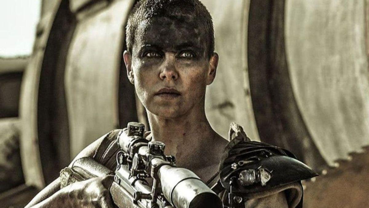 Así se rapó Charlize Theron para 'Mad Max: Furia en la carretera'