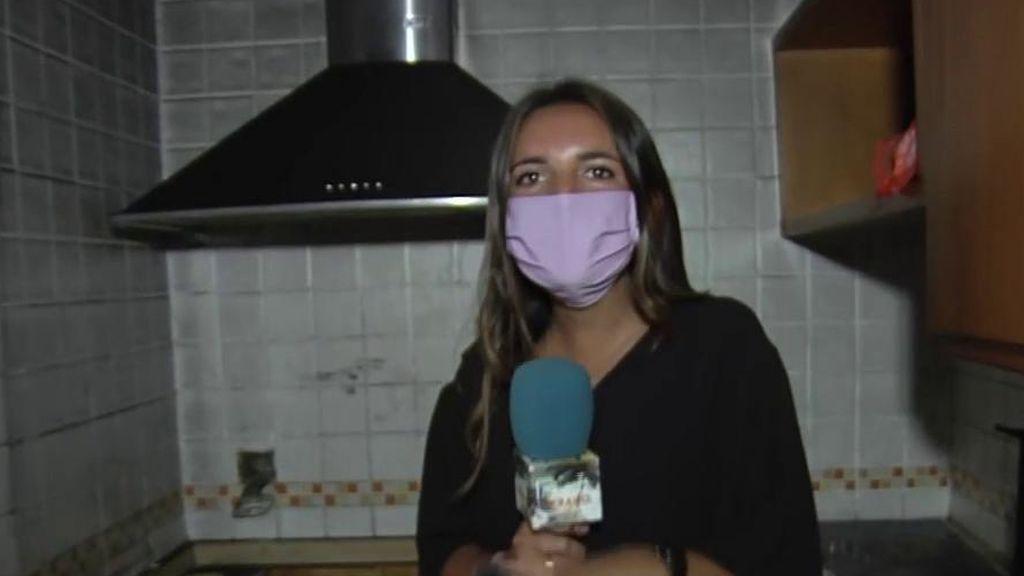 Muebles roto, una gran factura de la luz y la cocina quemada: Así han dejado los okupas la casa de Paola