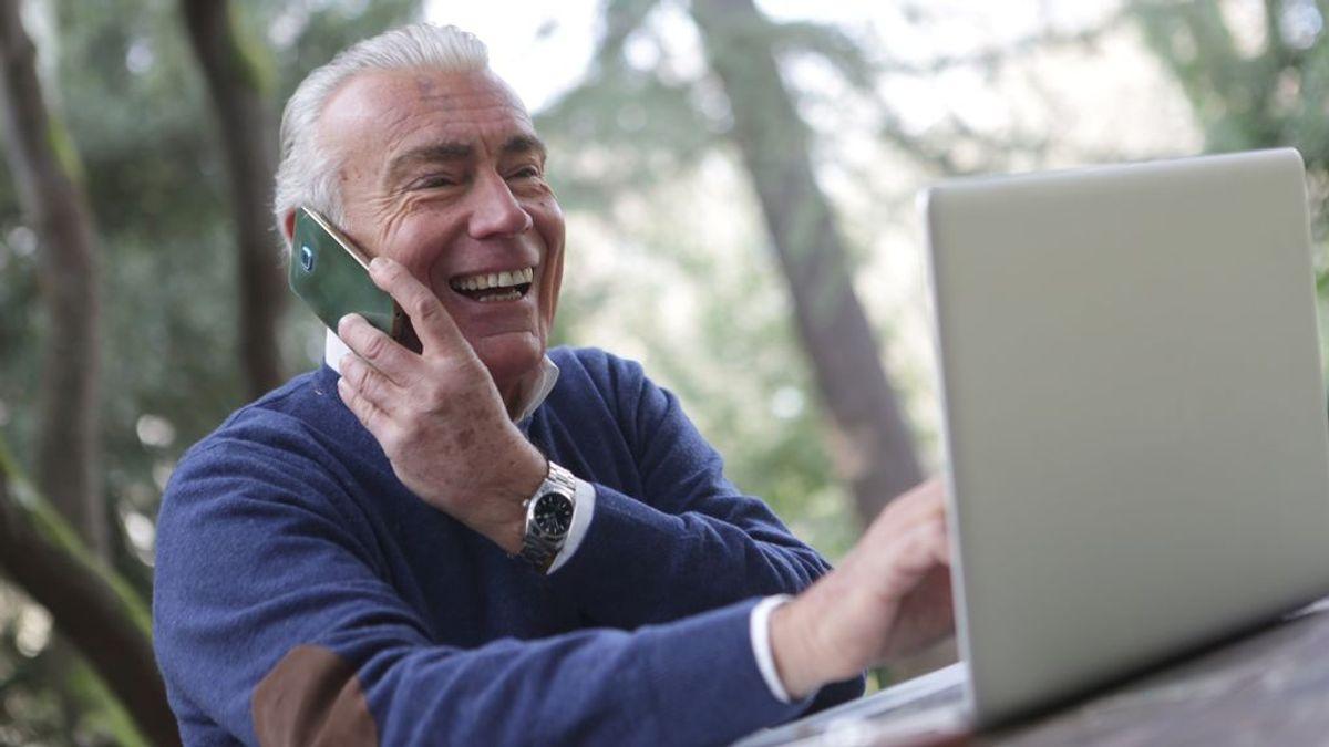 Safe365, la app para cuidar a los mayores que incluye el 'semáforo' de la felicidad
