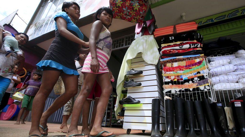 Tensión y miles de desplazados en la frontera de Venezuela