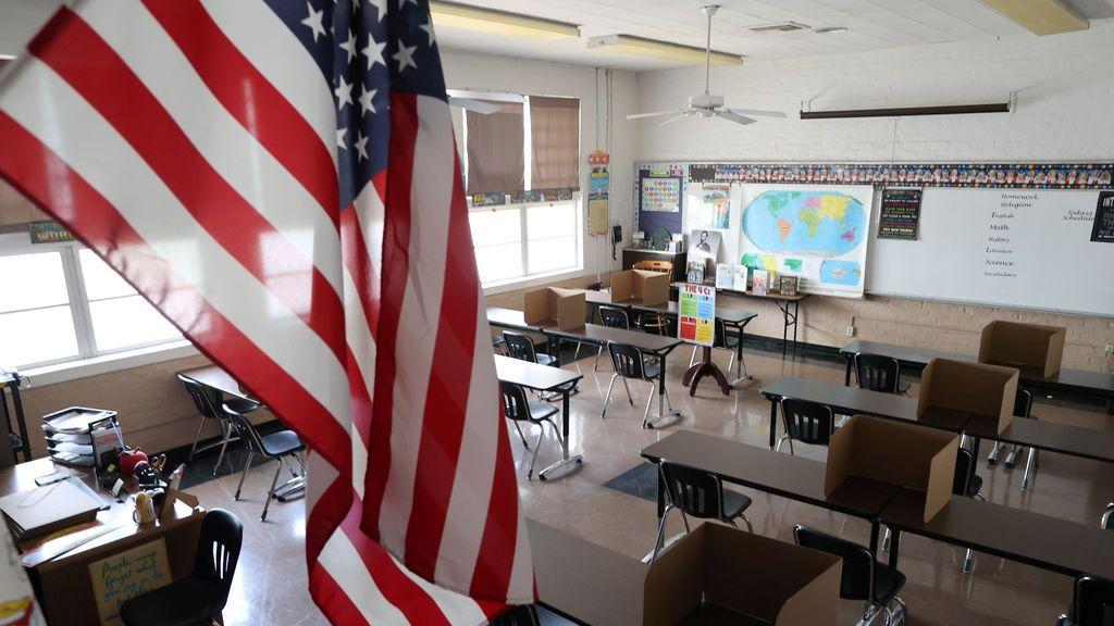 Estados Unidos se mantiene en su idea de abrir los colegios y supera los 156.000 muertos por coronavirus