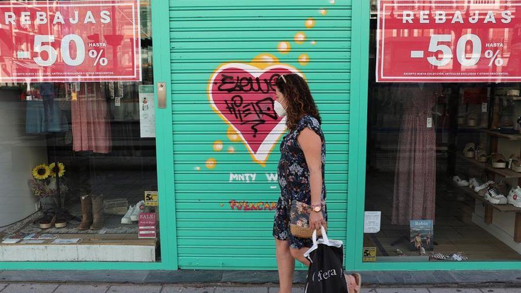 Las rebajas no salvan a las tiendas de ropa: las ventas caen más de un 22% en julio