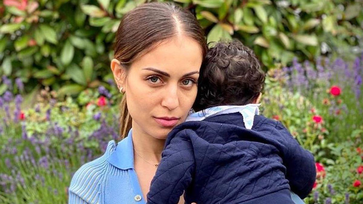 """Hiba Abouk habla sobre su compleja adaptación a la lactancia materna: """"Me salieron grietas"""""""