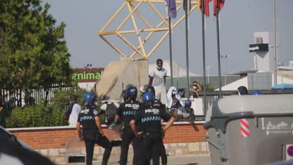 Enfrentamientos por el confinamiento de 230 personas en Albacete