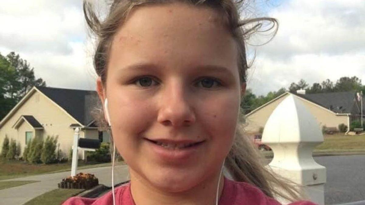Una adolescente de 15 años sobrevive milagrosamente al brutal ataque de dos pitbulls