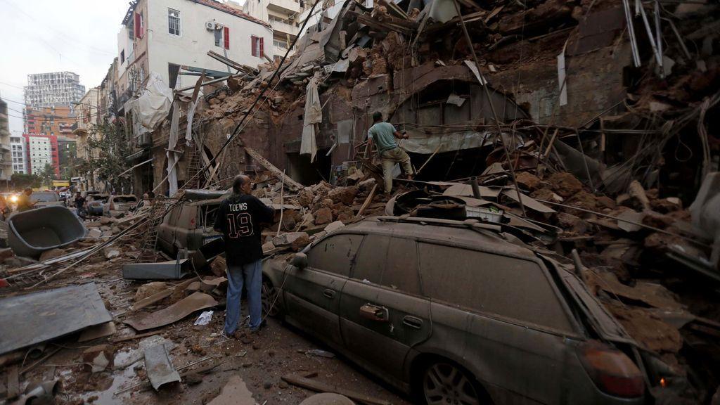 La UE envía bomberos y equipos especializados a Líbano para ayudar en las operaciones de rescate