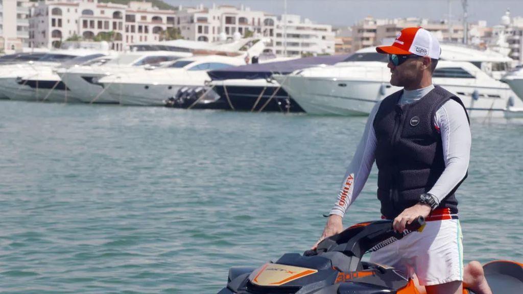 Fonsi Nieto y Marta Castro, anfitriones de 'Viajeros Cuatro' en su recorrido por Ibiza