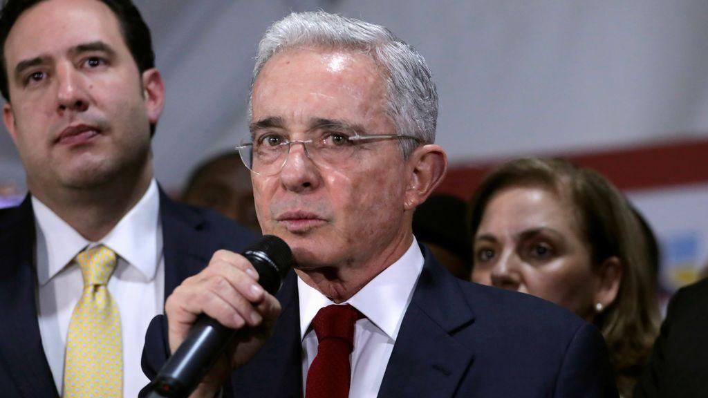La defensa de Uribe defiende que el expresidente es inocente