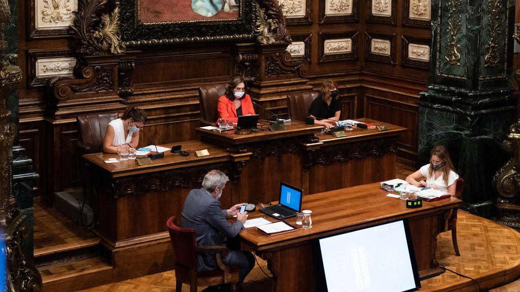 El independentismo catalán pide a Colau un pleno monográfico sobre la monarquía