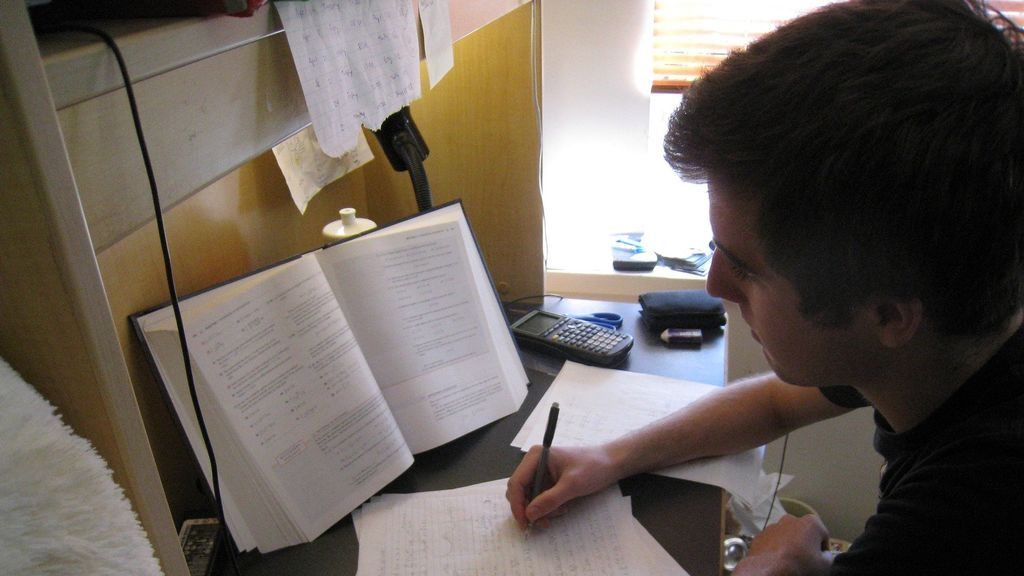 Guía básica para la selectividad de septiembre en la Comunitat Valenciana: fechas, notas y plazas