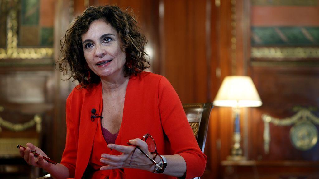 """María Jesús Montero: """"No hubo consenso ni negociación, la Casa Real tomó sus decisiones"""""""