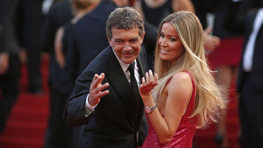 Antonio Banderas con su actual pareja, Nicole Kimpel, en el Festival de Cannes de 2015, un año después de separarse de Melanie Griffith